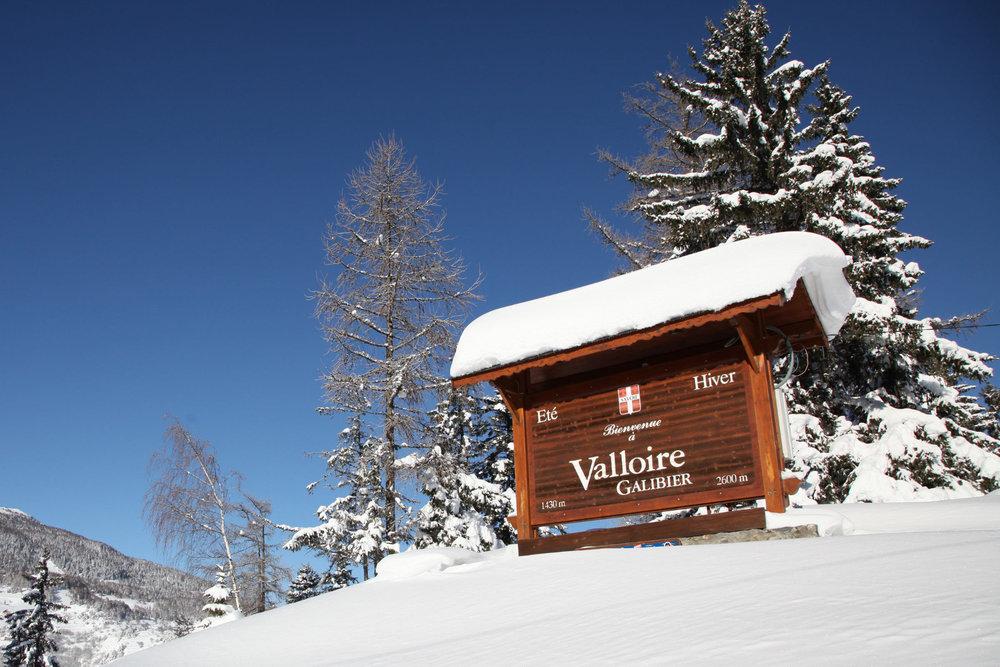 Cet hiver, variez les plaisirs et optez pour une station authentique et pleine d'atouts... Valloire vous souhaite la bienvenue ! - © Office de Tourisme de Valloire