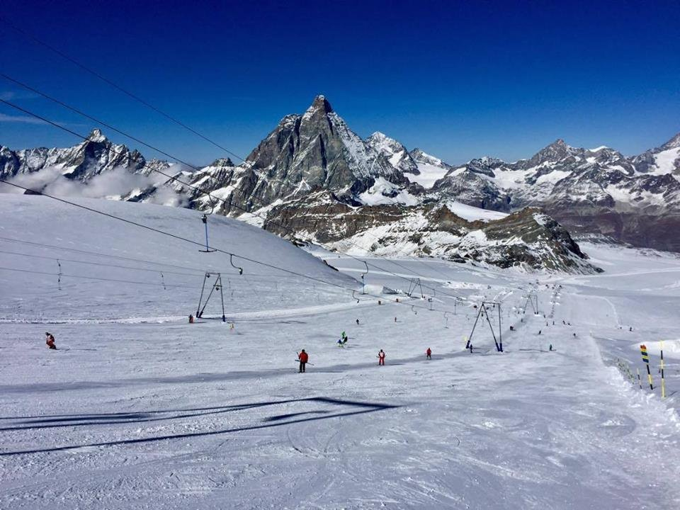 Clear skis in Cervinia Oct. 31, 2016 - © Cervinia-Breuil/Facebook