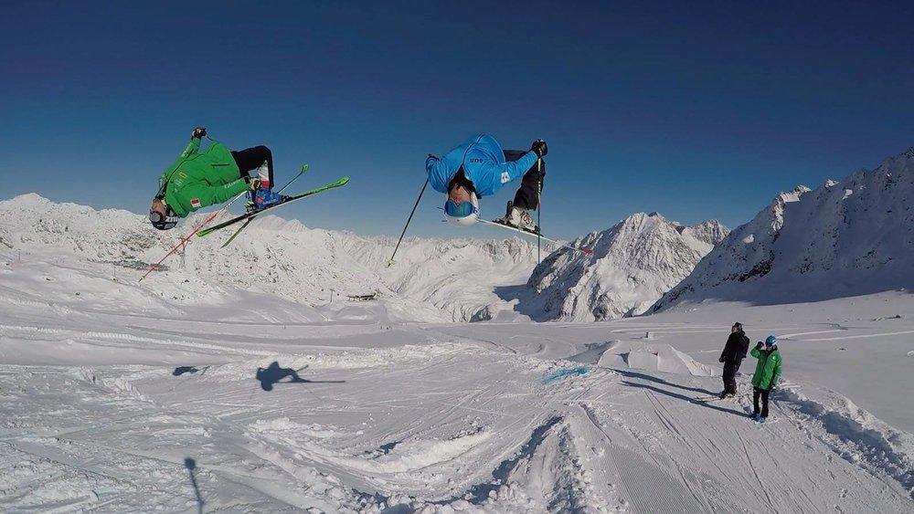 Skifahrer im Cross Park am Pitztaler Gletscher - © Gerry Posch/Pitztaler Gletscher