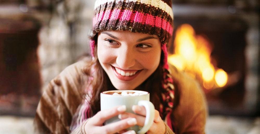 Les joies simples de l'après ski prêt d'un feu de cheminée... - © CRT FRANCHE-COMTE