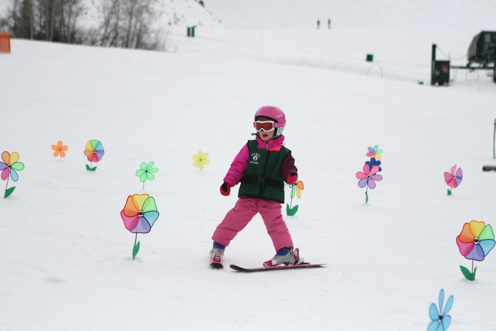 Ski school at Deer Valley in full bloom. - © Deer Valley Resort
