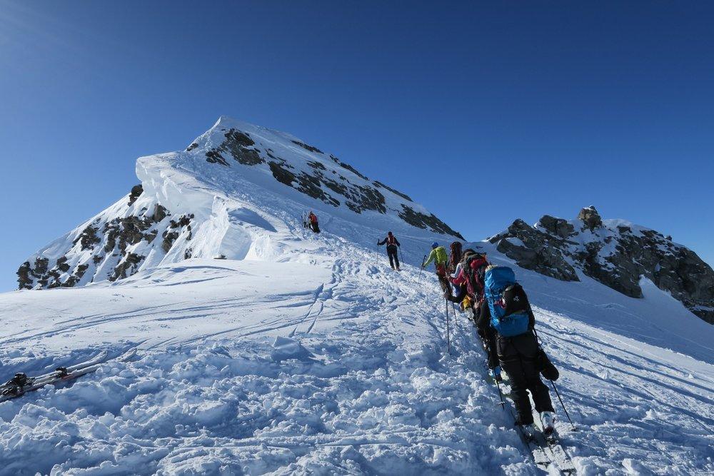 Her er vi på vei mot toppen av Rosablanche på dag tre.  - © Øydis Kristine Flateby