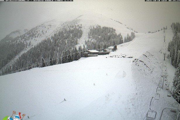 Spiazzi di Gromo neve fresca 10 Ottobre 2016 - © Spiazzi di Gromo webcam