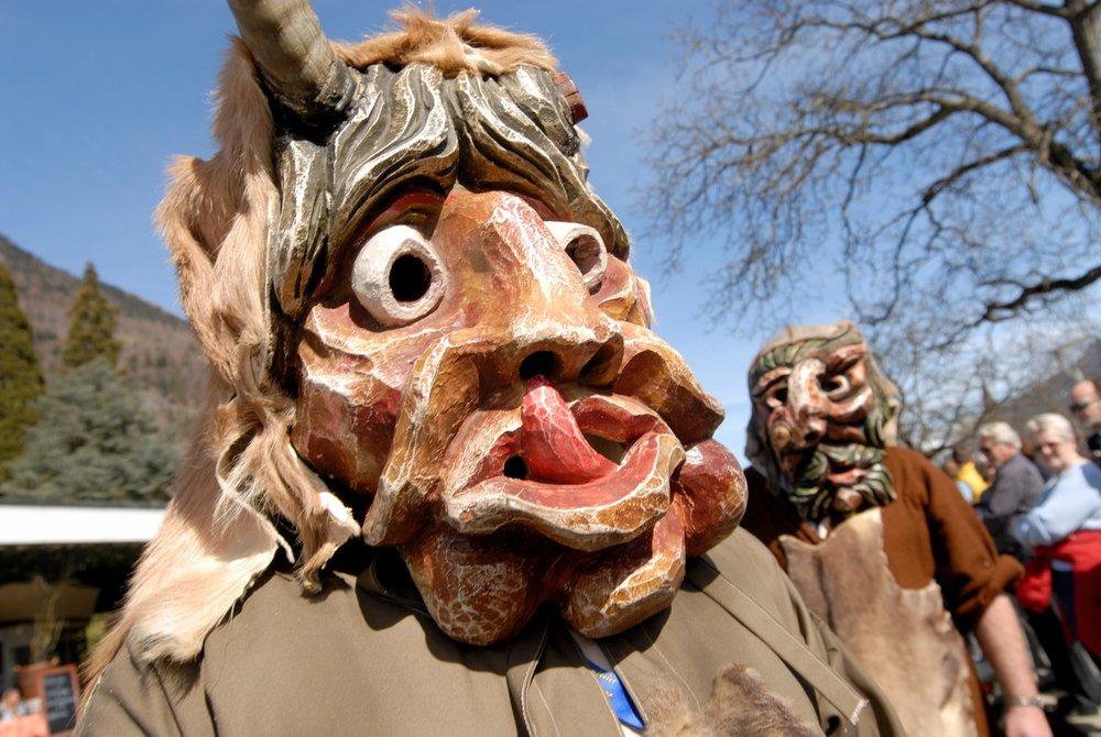 """Beim """"Harderpotschet"""" werden am 02. Januar böse Geister aus der Stadt vertrieben - © Interlaken Tourismus / Födisch"""