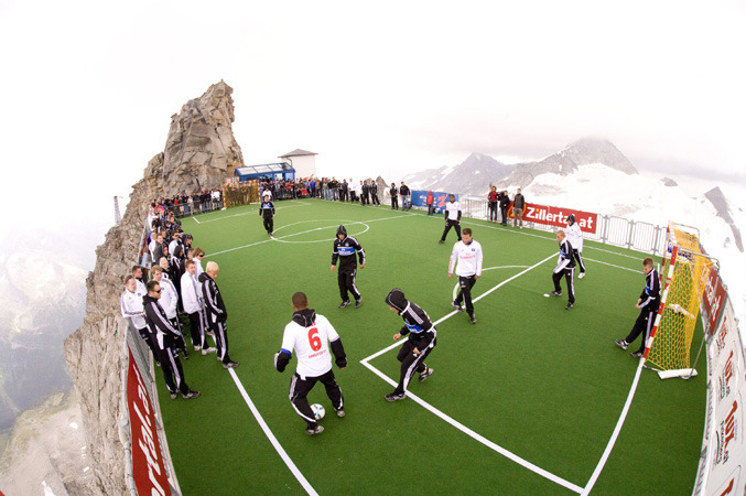 Hintertux - Football at Hintertuxer 677px