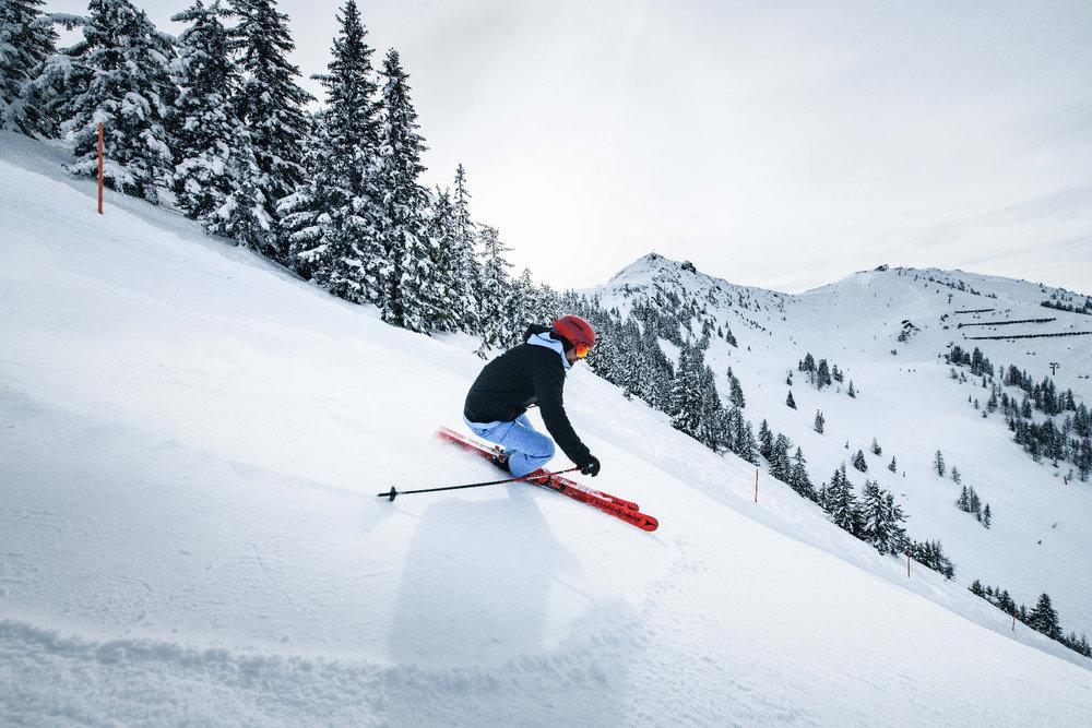 Skifahren im Alpendorf St. Johann - © Bergbahnen Alpendorf
