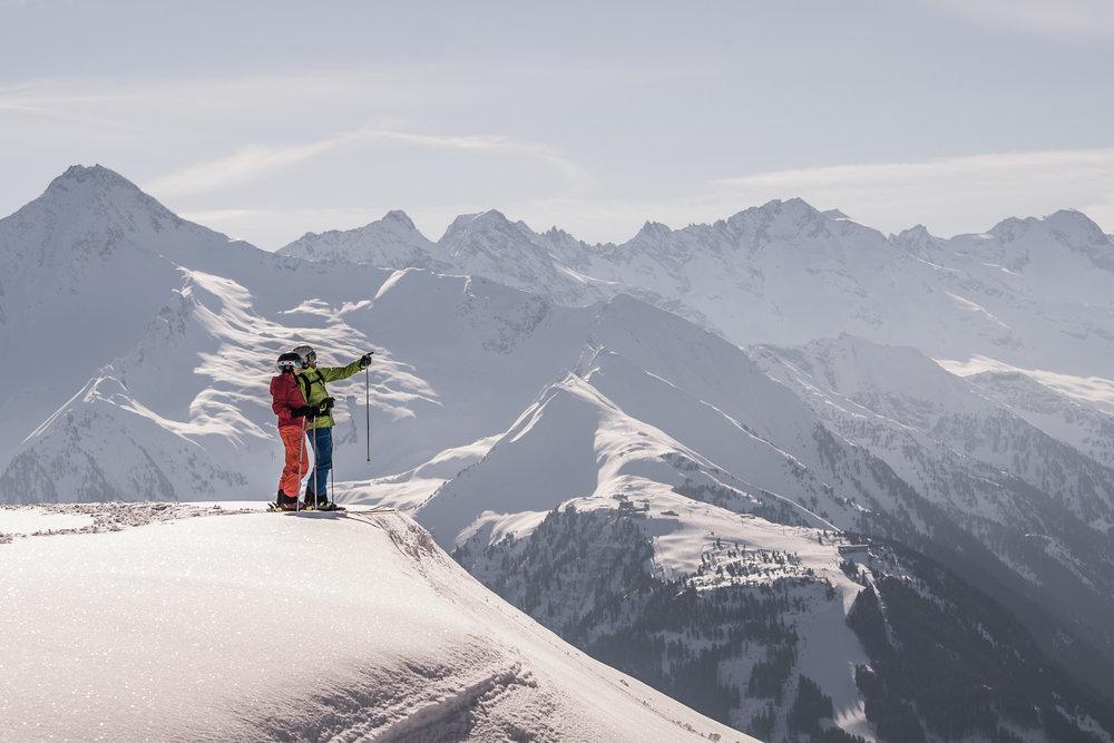 Skifahrer in Mayrhofen - © TVB Mayrhofen | Dominic Ebenbichler