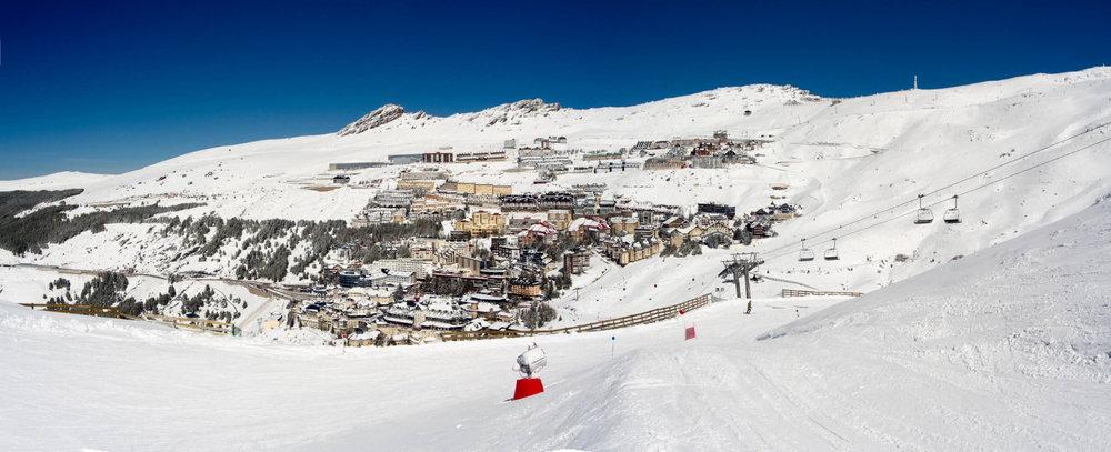 Vue sur la station de ski de Pradollano / Sierra Nevada - © Sierra Nevada
