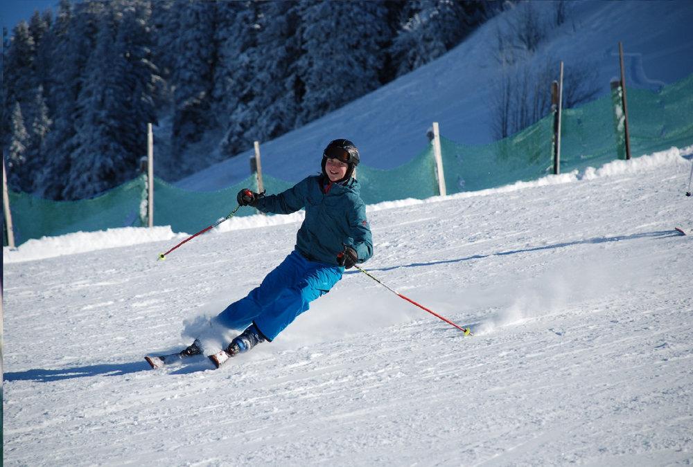 Skifahrer in der Alpenarena Hochhäderich - © Alpenarena Hochhäderich