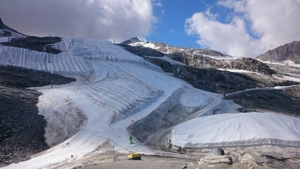 Ledovec Hintertux - Summer skiing  - © Martin