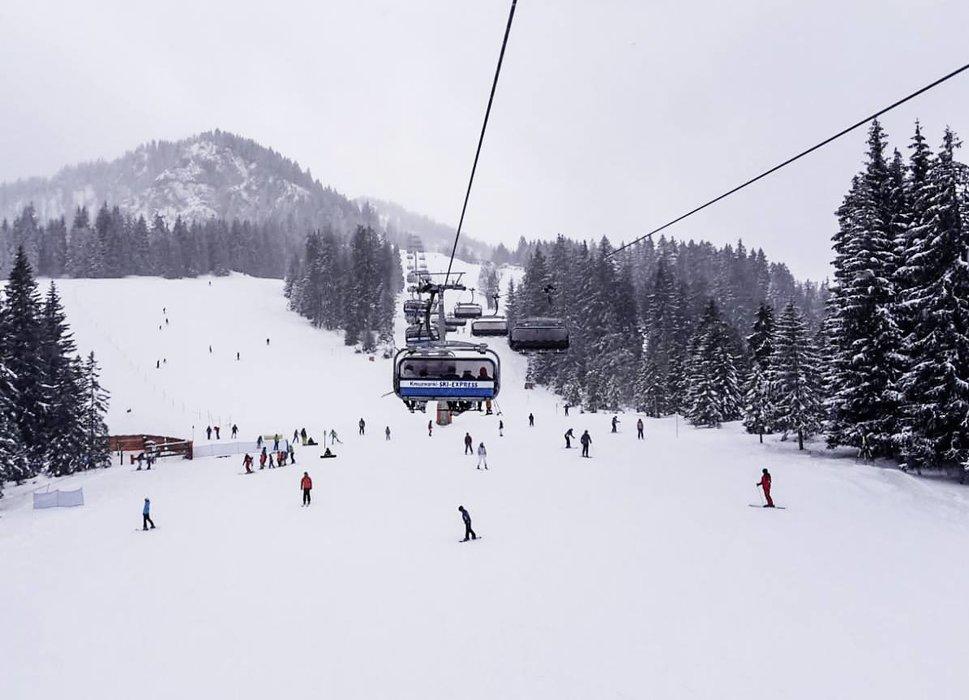 Neuschnee auch im Skigebiet Garmisch Classic - © Facebook Zugspitze