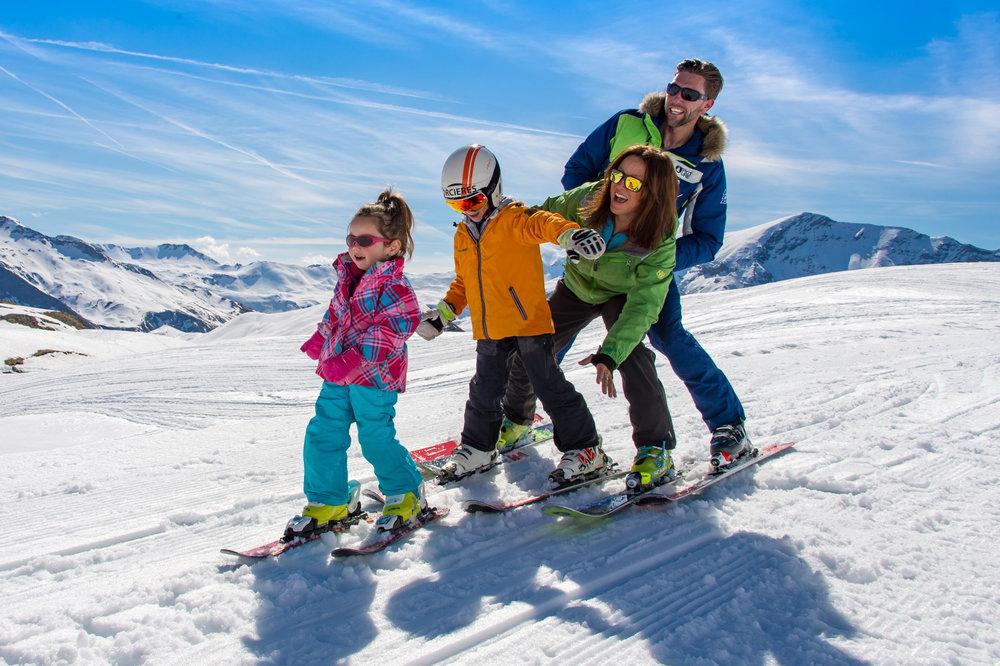 Durant les dernières semaines de l'hiver, Orcières gâte les familles en proposant des gratuités pour les enfants... - © G. Baron