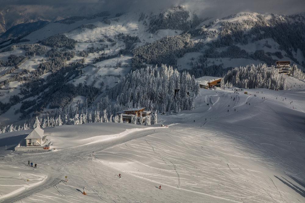 Berghaus Tyrol a vrcholová stanica sedačkovej lanovky A3 Walde - © Skiinfo
