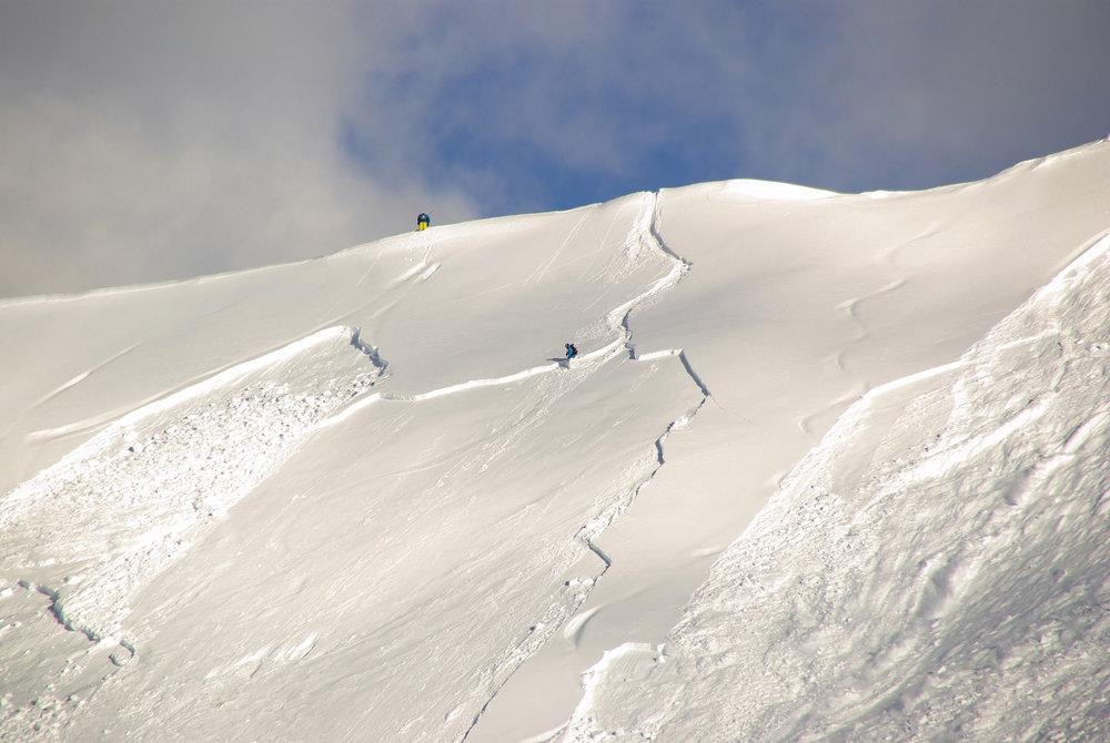 Schneebrett-Lawine (Symbol-Foto) - © Alessandro Zappalorto_Shutterstock.com