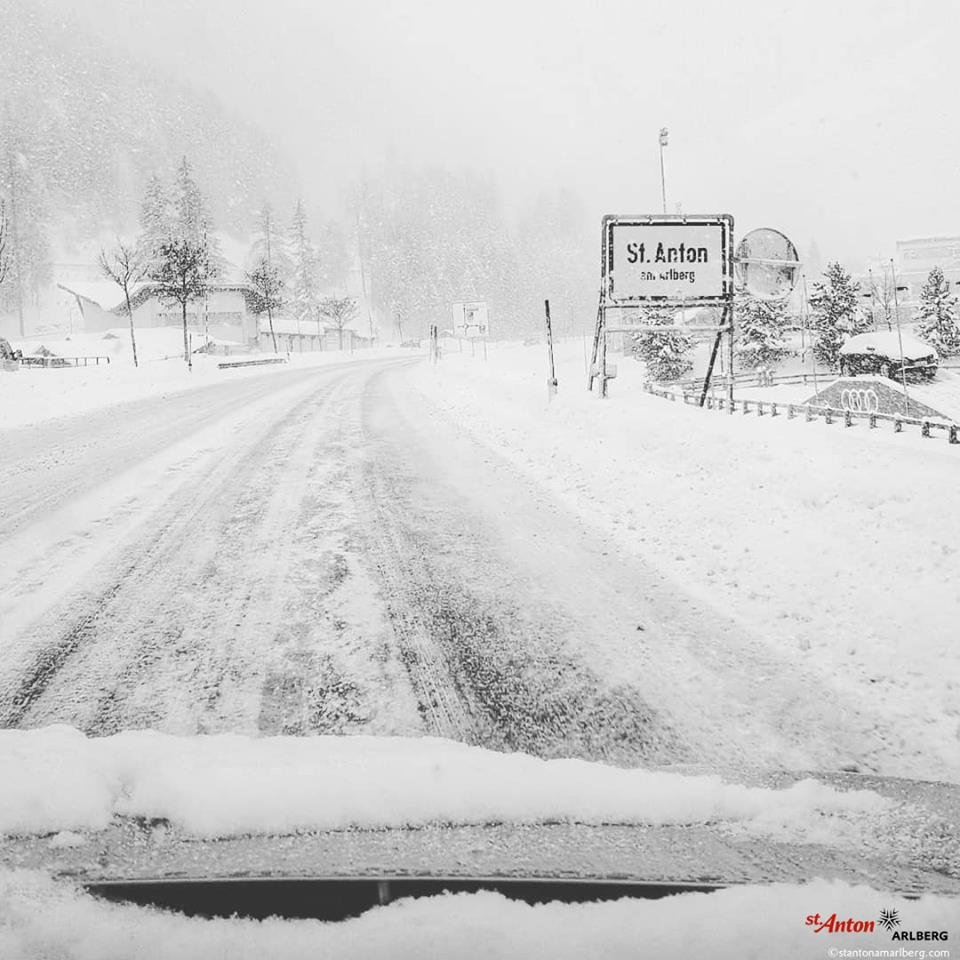 Tief verschneit ist aktuell auch St. Anton am Arlberg - © Facebook St. Anton am Arlberg