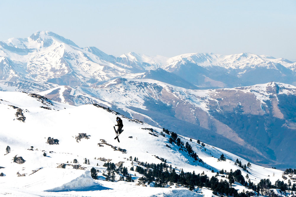 L'Euskal Park, l'un des nombreux espace nouvelle glisse de la Pierre Saint Martin. Pour petits et grands riders... - © EPSA / Domaine de la Pierre Saint Martin