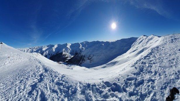 Les Orres - Temps magnifique,  neige correcte. Pas trop de monde sur les pistes en altitude par contre bcp de monde aux t - © Nimo