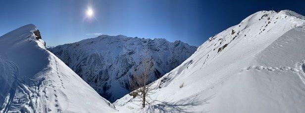 Puy-Saint-Vincent - Super neige sous un magnifique soleil! Sortie free ride sur la cr - © Jacques L.
