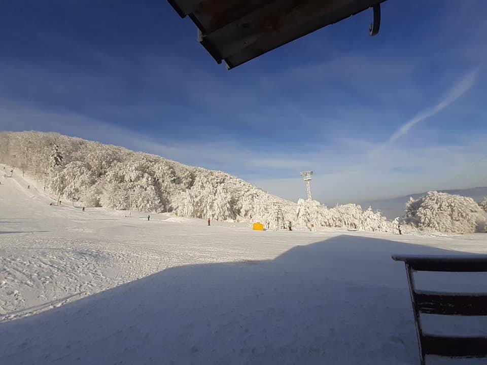 Slnečná lyžovačka na Jahodnej (16.1.2020) - © facebook - Skiareál Jahodná