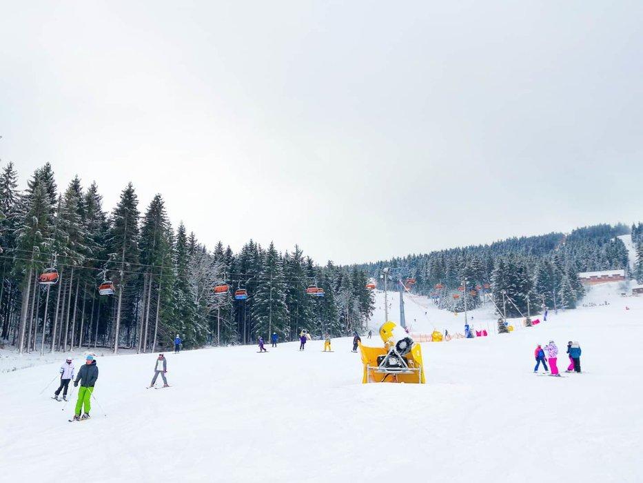 Od rána napadlo na Klínovci okolo 15 cm čerstvého sněhu! (4.2.2020) - © facebook | Skiareál Klínovec