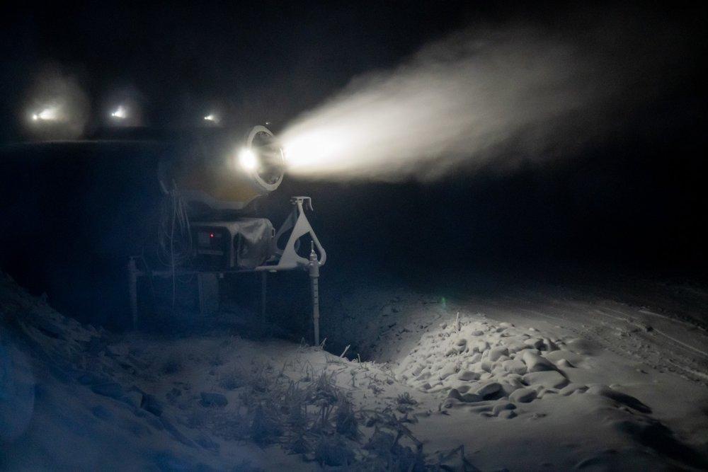 W Szczyrku odpalili armatki śnieżne - 20.11.2020 - © FB Szczyrk Mountain Resort