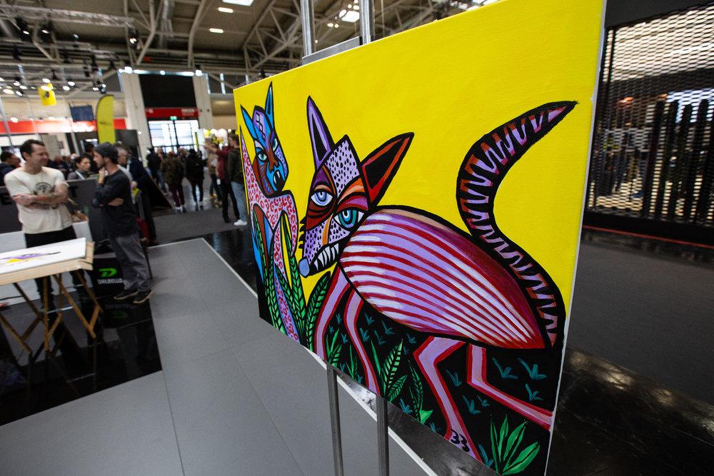 Am Stand von Völkl auf der ISPO 2020 - © Skiinfo