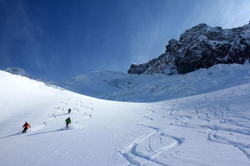 Tiefschneehänge auf der Schwarztor-Freeridetour lassen Skifahrerherzen höher schlagen - © Skiinfo.de/Sebastian Lindemeyer