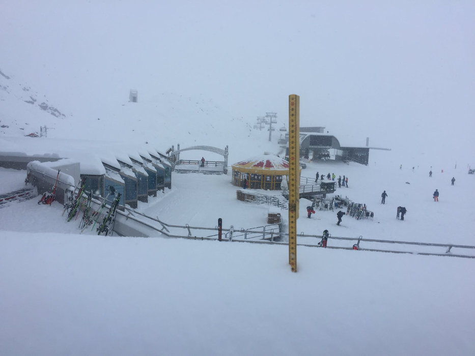 30cm und weiteren Schneefall meldete man am 5.11. am Pitztaler Gletscher - © Pitztaler Gletscher
