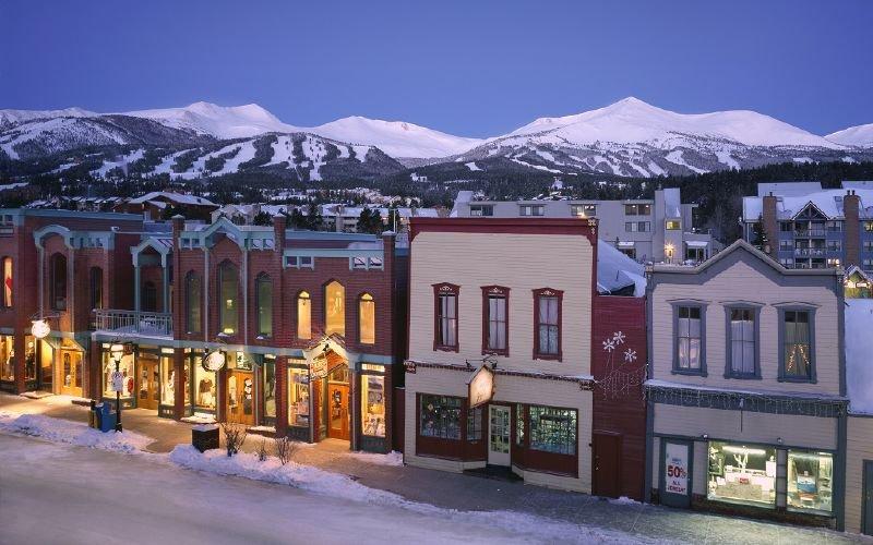 A view of the town of Breckenridge, Colorado at night - © Breckenridge