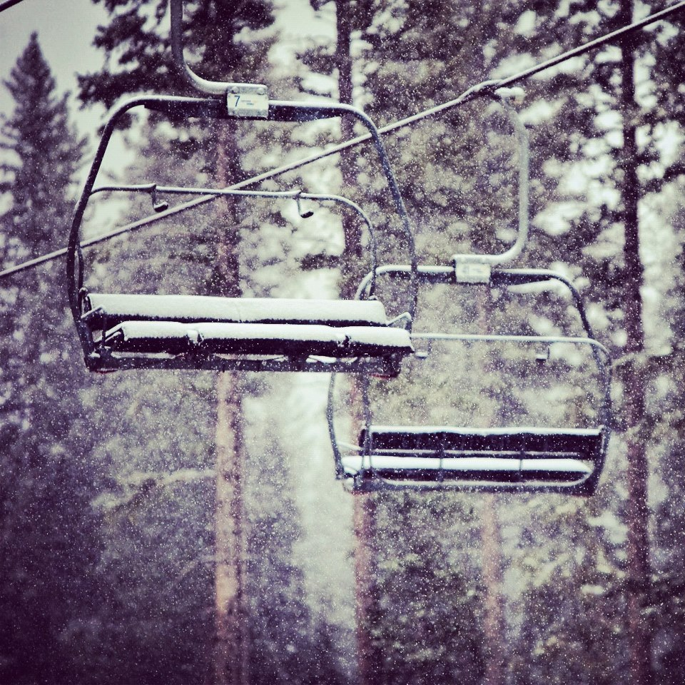 Chairlifts looking ready in Aspen. - © Jeremy Swanson/Aspen/Facebook