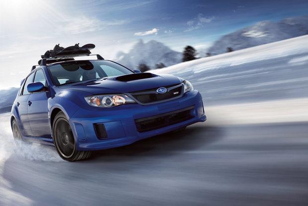 conseils pratiques pour la conduite sur route enneigée - © Subaru