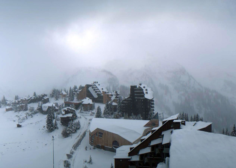 Avoriaz blanketed in snow Oct. 27th. - © Avoriaz