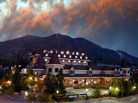 Embassy Suites is just steps away from Heavenly Ski Resort - © Embassy Suites Lake Tahoe