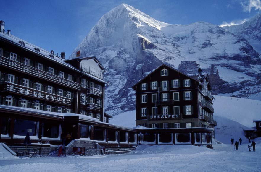 Hotel Bellevue des Alpes in front of the Eiger, Grindelwald - © Scheidegg Hotels