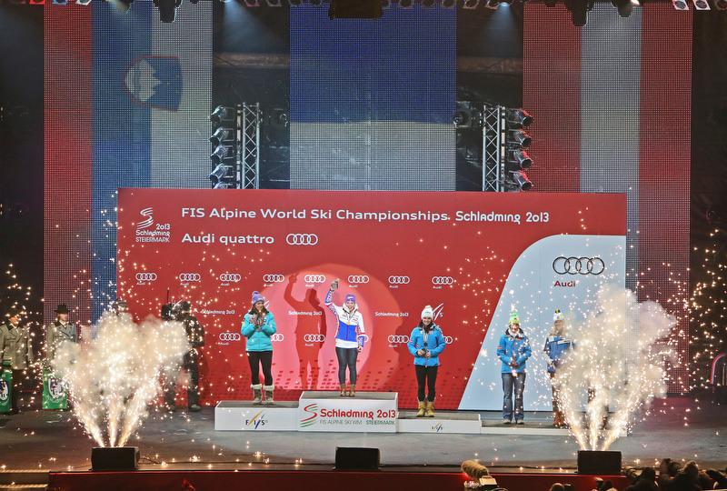 Anna Fenningerauf der Medal Plaza - am Ende hat's doch noch geklappt. - © Christophe Pallot/AGENCE ZOOM
