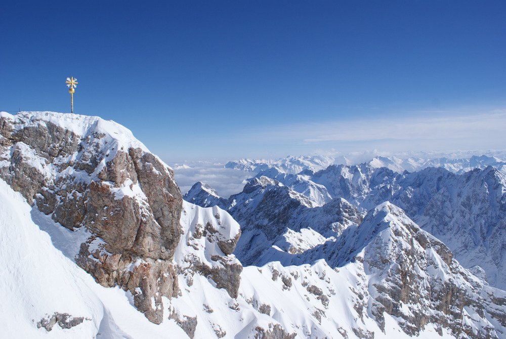 Das Gipfelkreuz der Zugspitze - © Gernot Schweigkofler