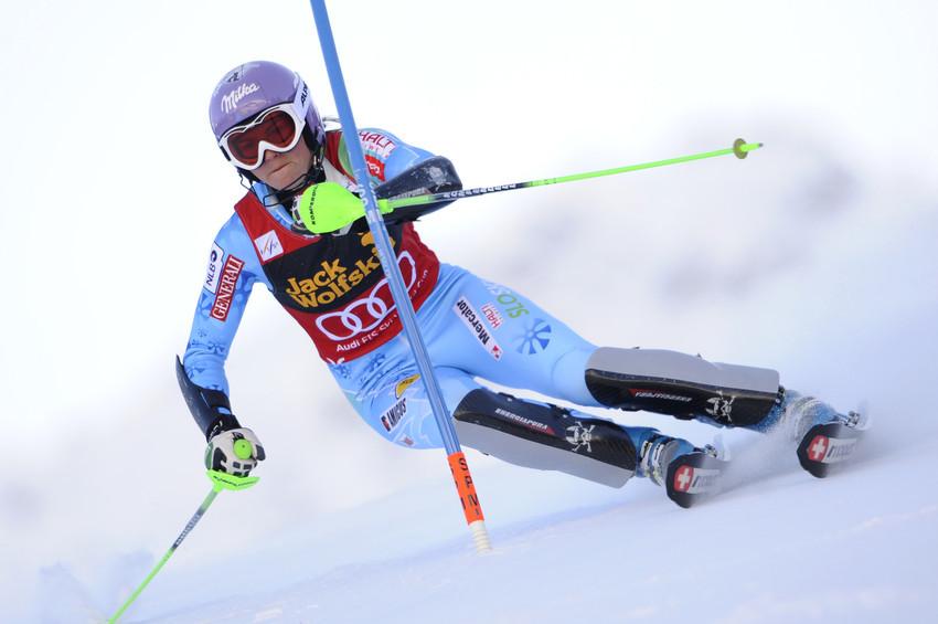 Tina Maze gab beim Slalom-Finale überraschend eine große Führung noch aus der Hand - © Alain Grosclaude/AGENCE ZOOM