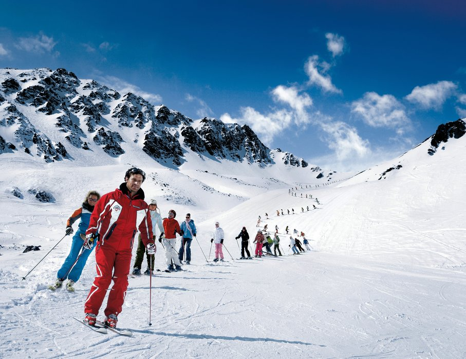 Ski school in Corviglia, Switzerland - © Corviglia Tourism