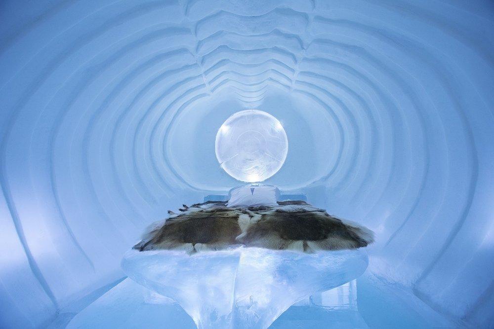 Blue Marine at Ice Hotel, Sweden - © Paulina Holmgren/William Blomstrand/Andrew Winch/Ice Hotel