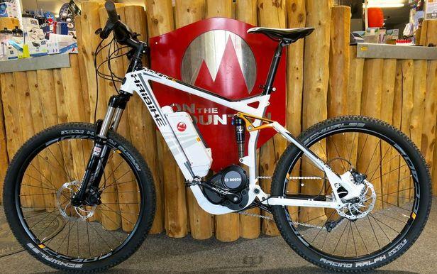 Le e-mountain bike : un VTT tout suspendus à assistance électrique)