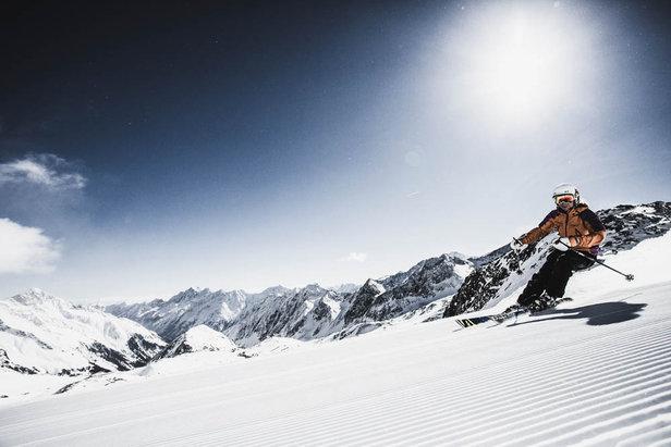 A remarkable 10km run starting on the 3,210m Stubai glacier, Austria  - © Stubai Glacier Ski Centre