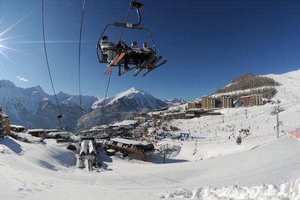 En quelques minutes, rejoignez le sommet du domaine skiable d'Orcières 1850 via les télémix (Drouvet et Rocherousse) et les télésièges (Bergerie)
