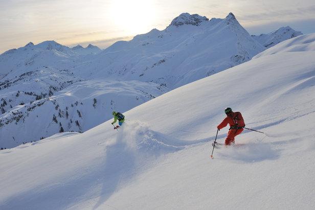 Freeride między ośrodkami Lech i Warth  - © Sepp Mallaun / Vorarlberg Tourismus