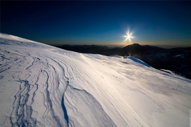 Sciare vista mare in Italia- ©Garessio 2000