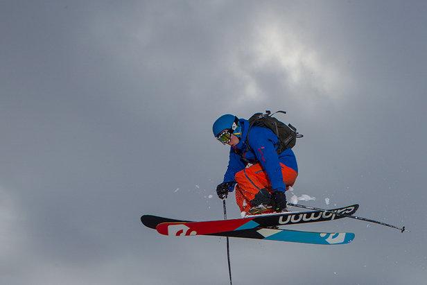 Snø, ski, gløgg og pepperkaker på Harpefossen Skisenter
