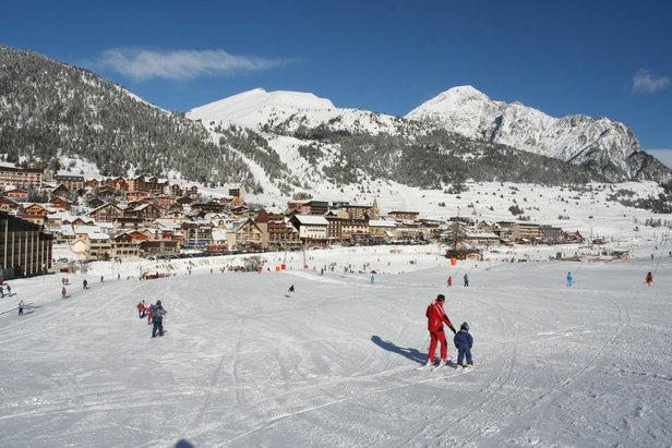Les grands domaines skiables des Hautes-Alpes- ©Images et Reves