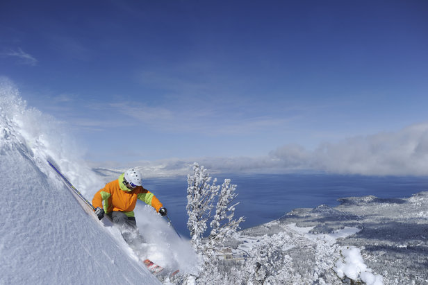 Season Pass Deals Up for Grabs in the West ©Corey Rich / Heavenly