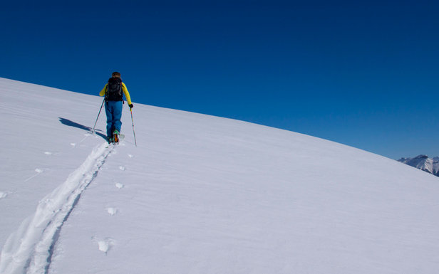 Pour cette fin de saison, sortez des sentiers battus et explorez le Pays des Ecrins en ski de randonnée...