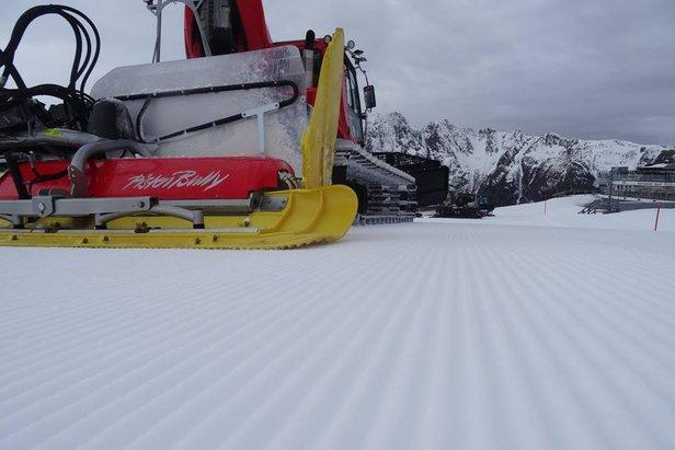 Snehové správy: Nedostatok snehu v severných Alpách vzbudzuje obavy, slovenské strediská zasnežujú ©Ischgl