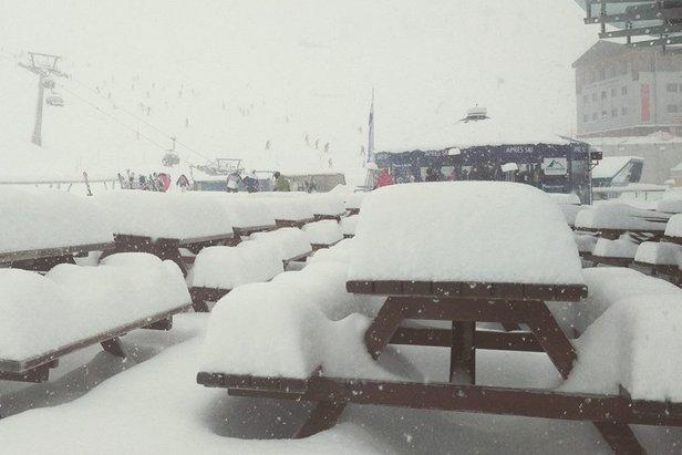 Bilder: Neuschnee in den Alpen (24. Februar) ©Kitzsteinhorn Facebook
